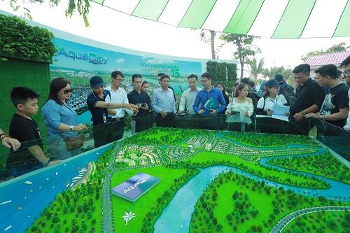 Sự kiện còn là lần đầu tiên ông lớn bất động sản giới thiệu mô hình đô thị sinh thái với dự án Aqua City (Đồng Nai). Khách hàng tỏ ra hào hứng với thông tin khu đô thị sử dụng tối đa công nghệ sạch, năng lượng xanh trong xây dựng và vận hành, đem lại chất lượng sống cao cho cư dân và thân thiện môi trường. Nhiều vị khách đồng thời đánh giá cao quy mô và vị trí thuận lợi của dự án, đặc biệt với nhiều tiện ích phù hợp cho gia đình trẻ như: trường mầm non, khu vui chơi trẻ em...