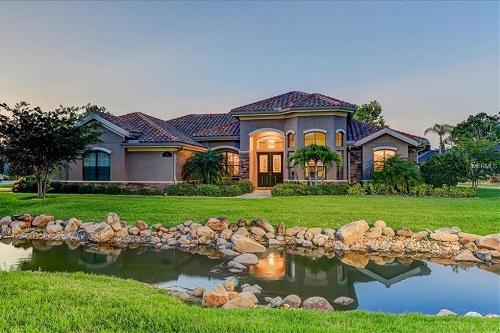 Một căn nhà rao bán tại Florida, Mỹ.