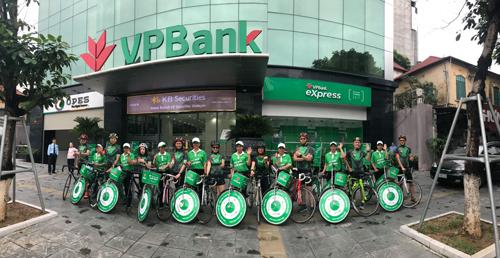 Ngân hàng VPBanktruyền tải thông điệp Get Healthy - Get Wealthy.Chi tiếttruy cập: www.vpbank.com.vn hoặc liên hệ tổng đài 1900545415.