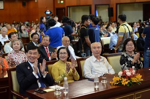 Ông Johnathan Hạnh Nguyễn nhận huân chương lao động hạng 2  - 3
