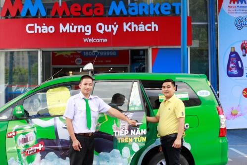 Tài xế taxi có cơ hội kiếm thêm thu nhập khi bán hàng.