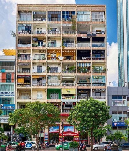 Kiến trúc nhà ống xen kẽ giữa các toà nhà hiện đại tại Sài Gòn là nguồn cảm hứng cho các nhà thiết kế Alpha City