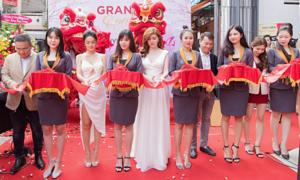 Phạm Quỳnh Anh, Nguyễn Trọng Tài hát mừng khai trương văn phòng Shynh Group