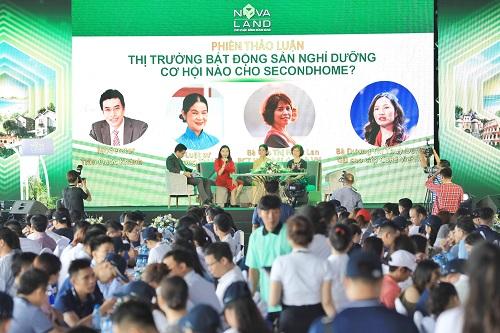 Đông đảo nhà đầu tư tham gia hội thảo bàn về tiềm năng phát triển bất động sản nghỉ dưỡng khu vực phía Nam, trong đó có Phan Thiết, tại Novaland Expo 2019. Ảnh: Hữu Khoa.