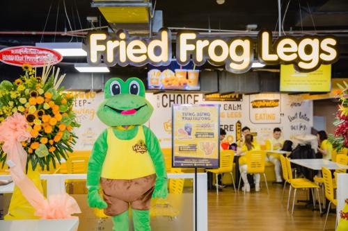 Thưởng thức món đùi ếch rán Horu tại Giga Mall Thủ Đức