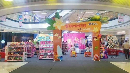 Khu vui chơi, giải trí dành cho các bé tại sảnh tầng 1 Vạn Hạnh Mall.