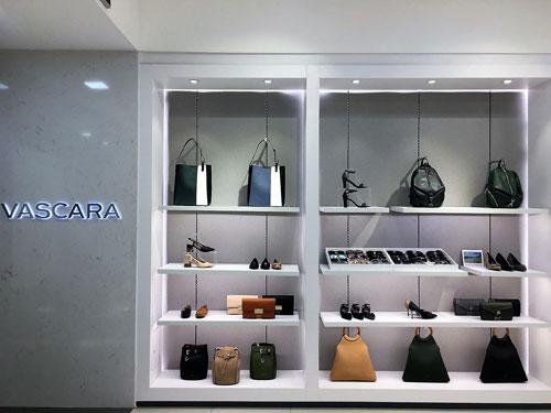 Không gian mua sắm sang trọng và đồng nhất cũng là một điểm thu hút của Vascara