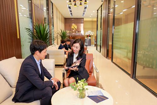 Trưởng phòng Quan hệ Khách hàng của Shinhan PWM được tuyển chọn khắt khe dựa trên kiến thức và kinh nghiệm chuyên sâu, nhằm đảm bảo luôn đưa ra các giải pháp tài chính phù hợp nhất cho khách hàng mà họ phục vụ.