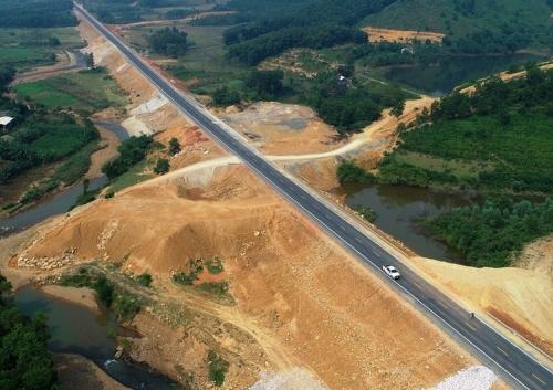 Cao tốc Hòa Bình - Mộc Châu, dự án được đầu tư theo hình thức hợp tác công tư (PPP). Ảnh: Giang Huy