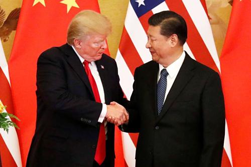 Tổng thống Mỹ Donald Trump và Chủ tịch Trung Quốc Tập Cận Bình năm 2017. Ảnh: Reuters