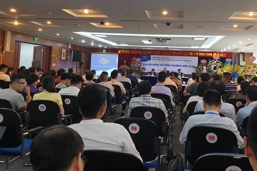Đại hội cổ đông của Vinaconex sáng 28/6. Ảnh: Nguyễn Hà.