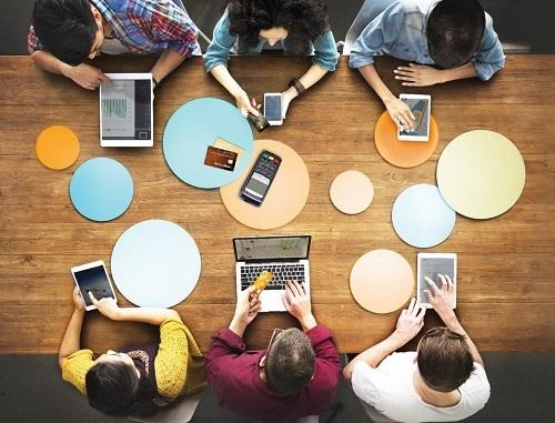 Mọi hoạt động của FWD đều thực hiện trên nền tảng công nghệ hiện đại.