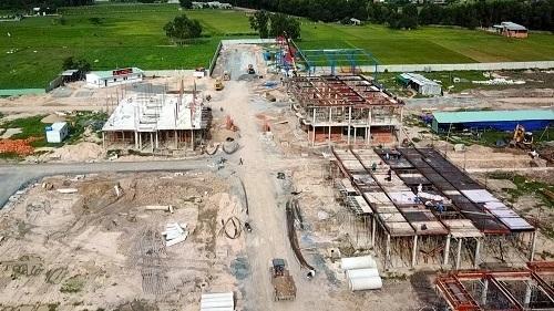 Nhà phố vườn Young King đang triển khai, dự kiến 30/8 sẽ hoàn thiện 30 căn đầu tiên.