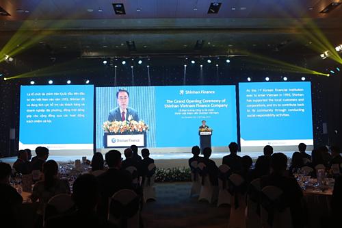 Ông Cho Young-byoung - Chủ tịch Shinhan Financial Group.