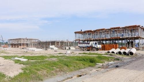 Nhà phố Young King đang được thi công, dự kiến hoàn thiện vào cuối tháng 8.