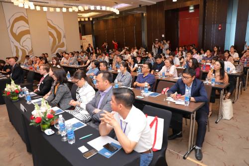 Hàng trăm nhà đầu tư tham dự Ngày hội triển lãm đầu tư định cư toàn cầu vào tháng 5/2019.