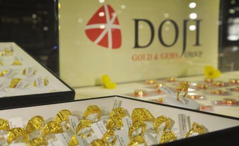 Giá vàng miếng trong nước hiện vẫn sát 39 triệu đồng một lượng.