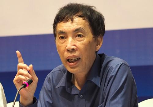 TS Võ Trí Thành bình luận về dự án đường sắt cao tốc trục Bắc - Namngày 11/7. Ảnh:Minh Sơn