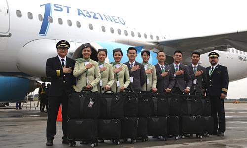 Phi công, tiếp viên của Bamboo Airways - hãng bay của Tập đoàn FLC. Ảnh: Anh Tú