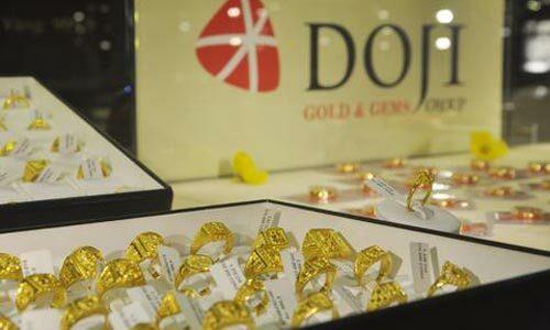 Giá vàng trong nước sáng nay biến động vài chục nghìn đồng mỗi lượng.