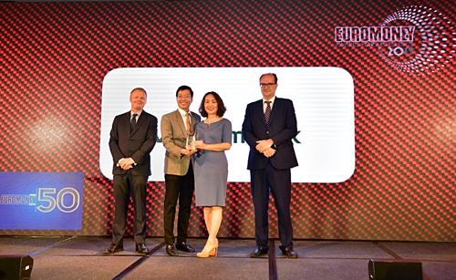Vietcombank nhận giải thưởng Ngân hàng tốt nhất Việt Nam của tạp chí Euromoney
