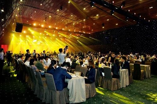 Sự kiện VVIP Sneak View thu hút đông đảo khách hàng tham dự.