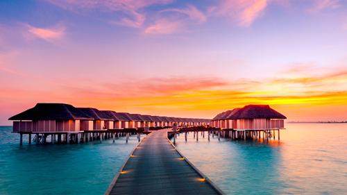 Hoàng hôn buông trên hòn đảo thiên đường Maldives