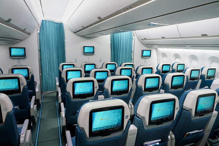 Bên trong một máy bay của Vietnam Airlines. Ảnh: VNA.