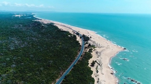 Cung đường ven biển Long Hải - Hồ Tràm - Bình Châu.