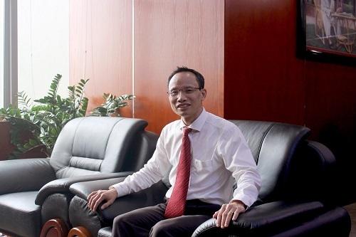 Chuyên gia kinh tế - Tiến sĩ Cấn Văn Lực.