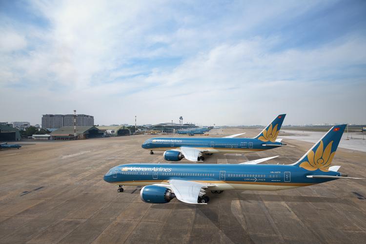 Vietnam Airlines là hãng đầu tiên khai thác thương mại tới Vân Đồn. Ảnh: VNA.