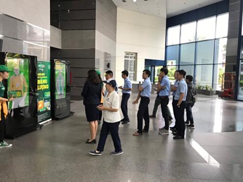 Sau khi trải nghiệm chiếc bảng năng lượng thuộc chuỗi chiến dịch Berocca Performance Mango, anh Dương Bảo Trung - nhân viên văn phòng đang làm việc tại tòa nhà Empress Tower (quận 1, TP HCM) chia sẻ, nhờ trải nghiệm này, anh biết phải bổ sung năng lượng lúc 2 giờ chiều mỗi ngày để có thể có một ngày làm việc hiệu quả.