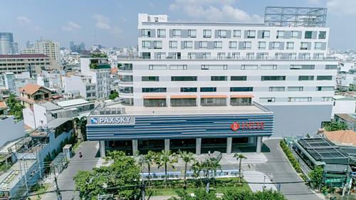 Hệ thống văn phòng cho thuê Pak Sky vừa ra mắt khu phức hợp gồm trung tâm thương mại và văn phòng cho thuê tại 26 Ung Văn Khiêm, quận Bình Thạnh, TP HCM.