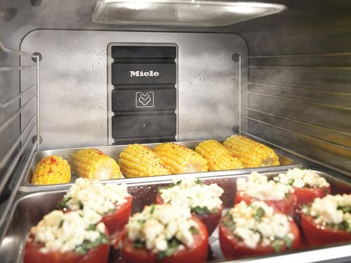Chế độ cài sẵn trong lò nướng kết hợp hấp Miele đảm bảo mang lại kết quả tối ưu cho từng loại thực phẩm.
