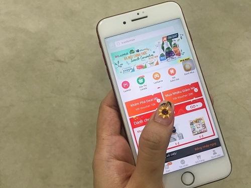 Các ứng dụng thương mại điện tử đang ngày càng đổi mới, cải tiến với những tính năng giải trí.