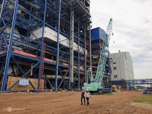 Các nhà thầu đang thi công một số hạng mục trên công trường dự án Nhiệt điện Thái Bình 2. Ảnh: Hoài Thu