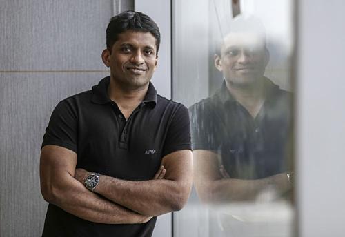 Nhà sáng lập kiêm CEOThink & Learn - Byju Raveendran. Ảnh: Bloomberg