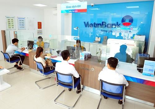 Khách hàng VietinBank được cung cấp nhiều gói sản phẩm với mức phí ưu đãi và bảo mật tốt.