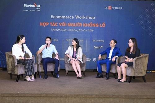 Các diễn giả chia sẻ trong buổi hội thảo Hợp tác với người khổng lồ.