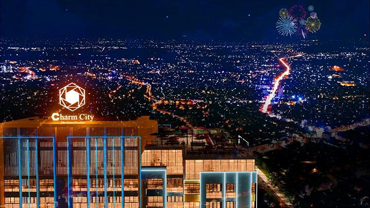 Tọa lạc ở độ cao hơn 100m, chủ đầu tư DCT Group gây ấn tượng khi phát triển tổ hợp Sky Garden kết hợp Chill Bar và các nhà hàng đa phong cách trên đỉnh tòa nhà tại Charm City