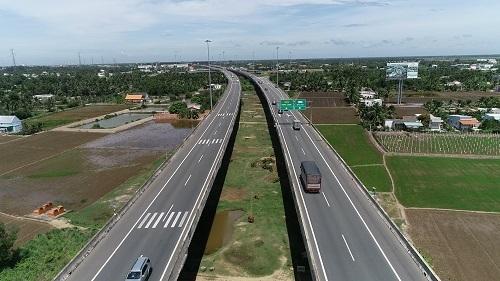 Đường cao tốc TPHCM - Trung Lương là một điểm sáng trong phát triển cơ sở hạ tầng của Long An.