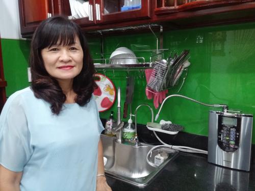 Máy lọc nước ion kiềm Nhật được tin dùng bởi chất lượng tốt, thiết kế nhỏ gọn, có thể tạo ra 7 loại nước quý để chăm sóc sức khỏe, sắc đẹp và nấu ăn ngon.