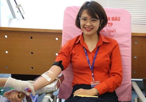 2019 là năm thứ 7 liên tiếp, cán bộ nhân viên Sacombank tham gia hiến máu cứu người nhằm hưởng ứng chiến dịch Hành trình đỏ.