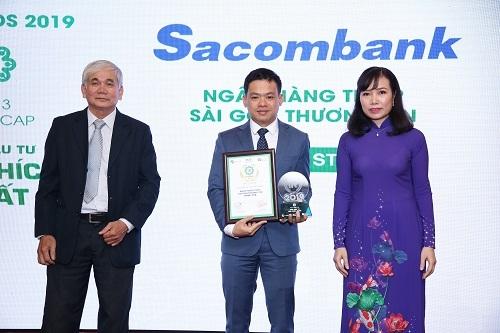 Đại diện SCB nhận giải tại lễ công bố
