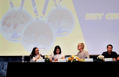 Đại diện ban tổ chức chương trình Revive Marathon xuyên Việt.