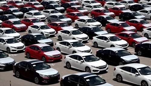 Ôtô dưới 9 chỗ được nhập về cảng TP HCM. Ảnh: Quốc Đoan