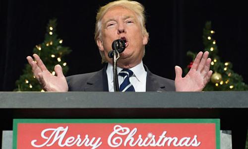 Tổng thống Trump phát biểu tại một sự kiện trước Giáng sinh năm 2016. Ảnh: CNBC