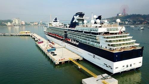 Hạ Long đón dòng khách ngoại cao cấp từ Cảng tàu khách quốc tế Hạ Long
