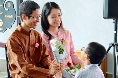Lễ Vu Lan là dịp để con cái báo hiếu cha mẹ.