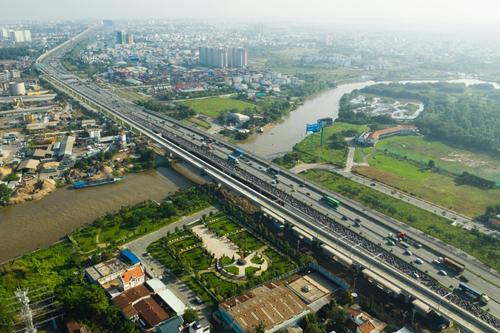Thị trường bất động sản khu Đông TP HCM. Ảnh: Hữu Khoa